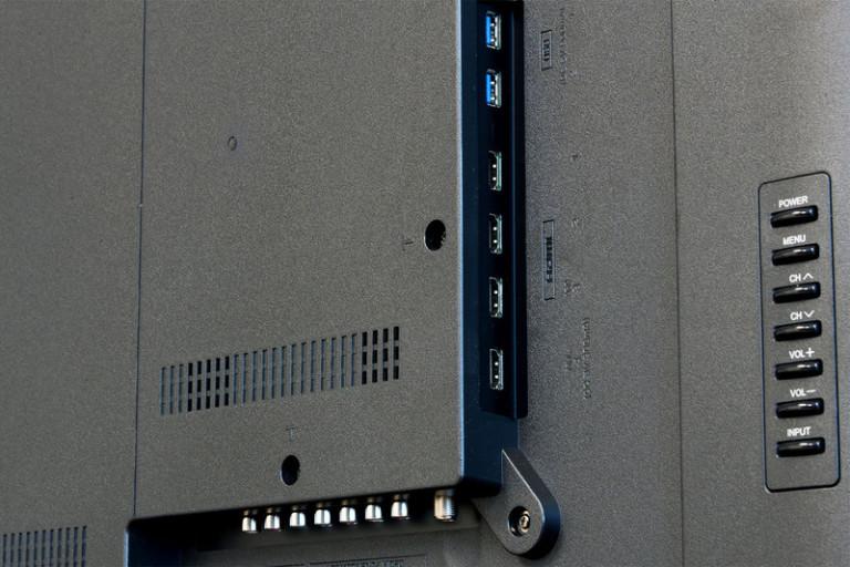 sharp-lc-65ub30u-backjacks-800x533-c