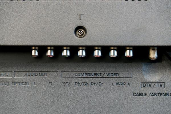 sharp-lc-65ub30u-jacks2-800×533-c