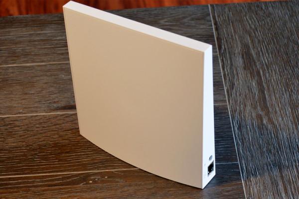 wink-hub-2-back-side-800×533-c