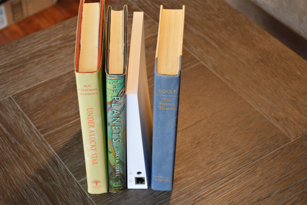wink-hub-2-books-800×533-c
