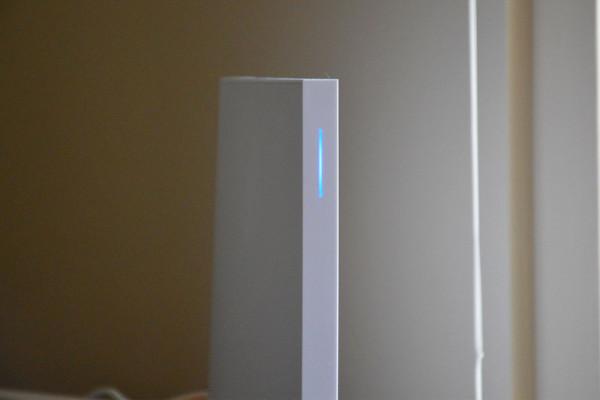 wink-hub-2-led-800×533-c