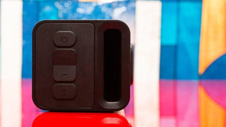 zvox-av200-accuvoice-tv-speaker-03