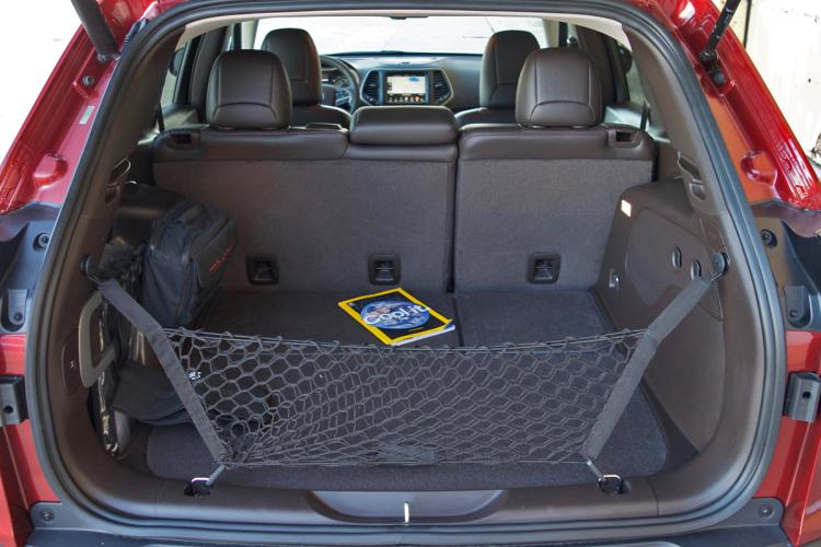 2016 jeep cherokee trailhawk review gearopen. Black Bedroom Furniture Sets. Home Design Ideas