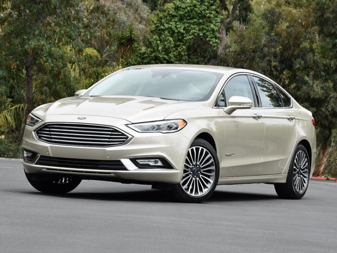 2017-ford-fusion-hybrid-titanium-white-gold-front-quarter-left