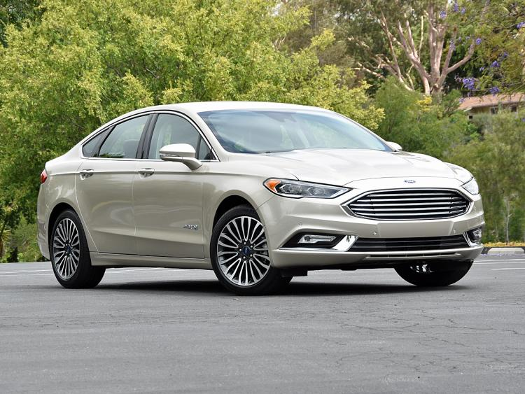 2017 ford fusion hybrid review gearopen. Black Bedroom Furniture Sets. Home Design Ideas