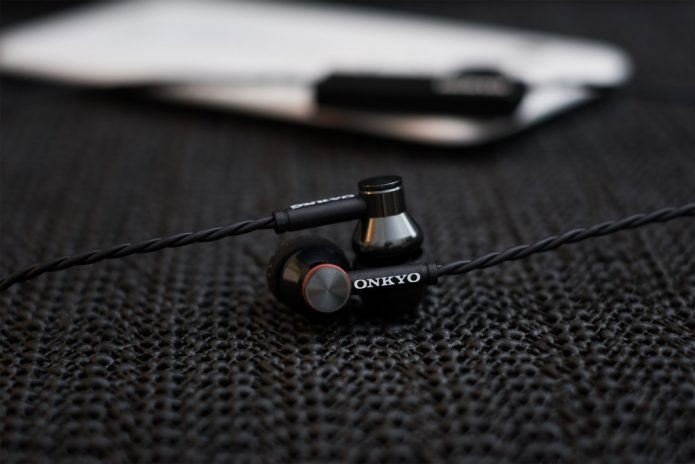 Onkyo E200BT Review - The Good Affordable Good Wireless IEM?