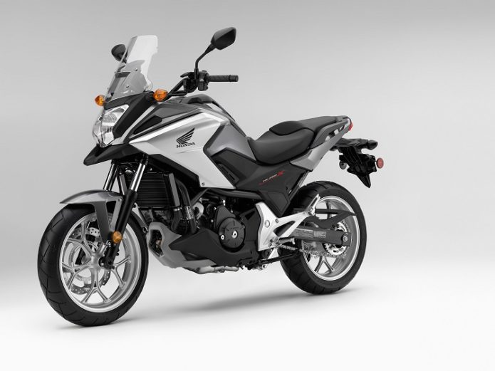 2017-Honda-NC700X-front-view