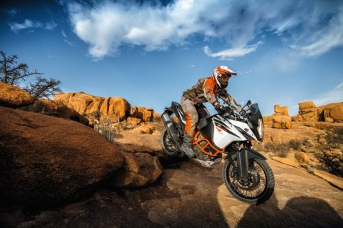 2017 KTM 1090 Adventure R / 1290 Super Adventure R / 1290 Super Adventure T Review