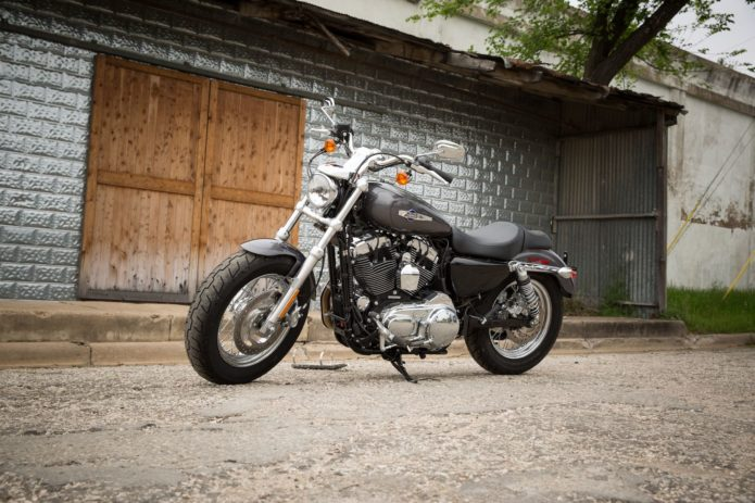 2017-harley-davidson-sportster-1200-custom-buyers-guide-2