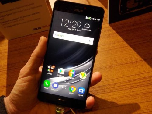 ASUS ZenFone AR hands-on: Daydream and Tango under one roof