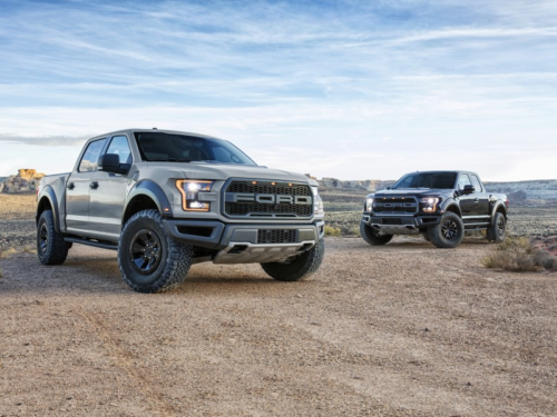 The 2017 Ford Raptor Is a Desert-Dwelling, 3-Ton War Hammer
