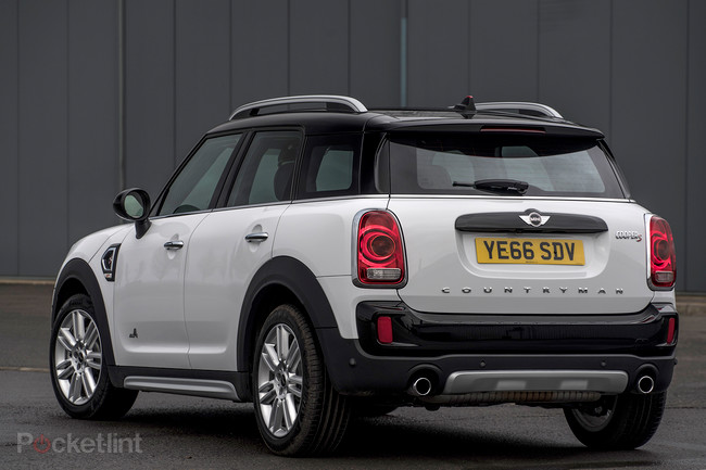 mini countryman s 2017 first drive mighty improvements for the massive mini gearopen. Black Bedroom Furniture Sets. Home Design Ideas