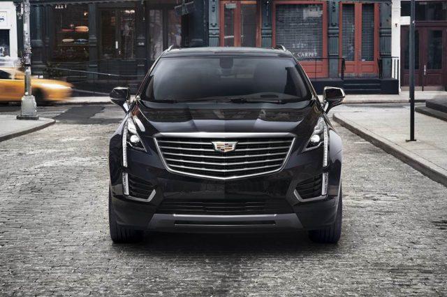 2017-Cadillac-Escalade-Platinum-640x425