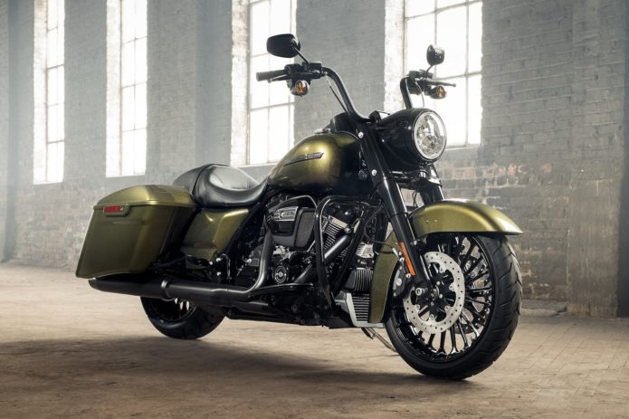2017-harley-davidson-road-king-special-debuts-exclusive-interview-2