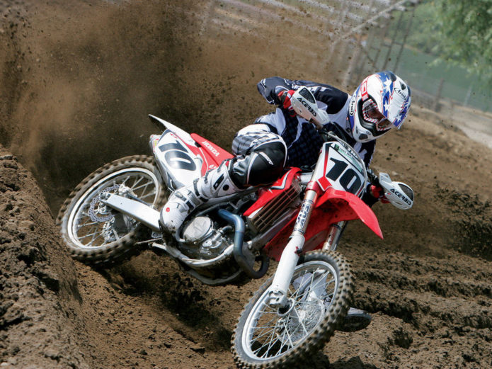 Honda CRF450R Vs. Husqvarna FC450 Vs. Kawasaki KX450F Vs. KTM 450 SX-F Vs. Suzuki RM-Z450 Vs. Yamaha YZ450F - Shoot-outs