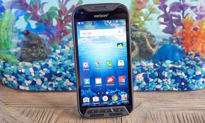 Kyocera DuraForce Pro Review : Unbreakable Exterior with a Blah Battery