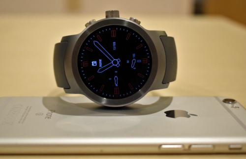 Android Wear on iPhone : Our guide to getting your Google / iOS smartwatch fix