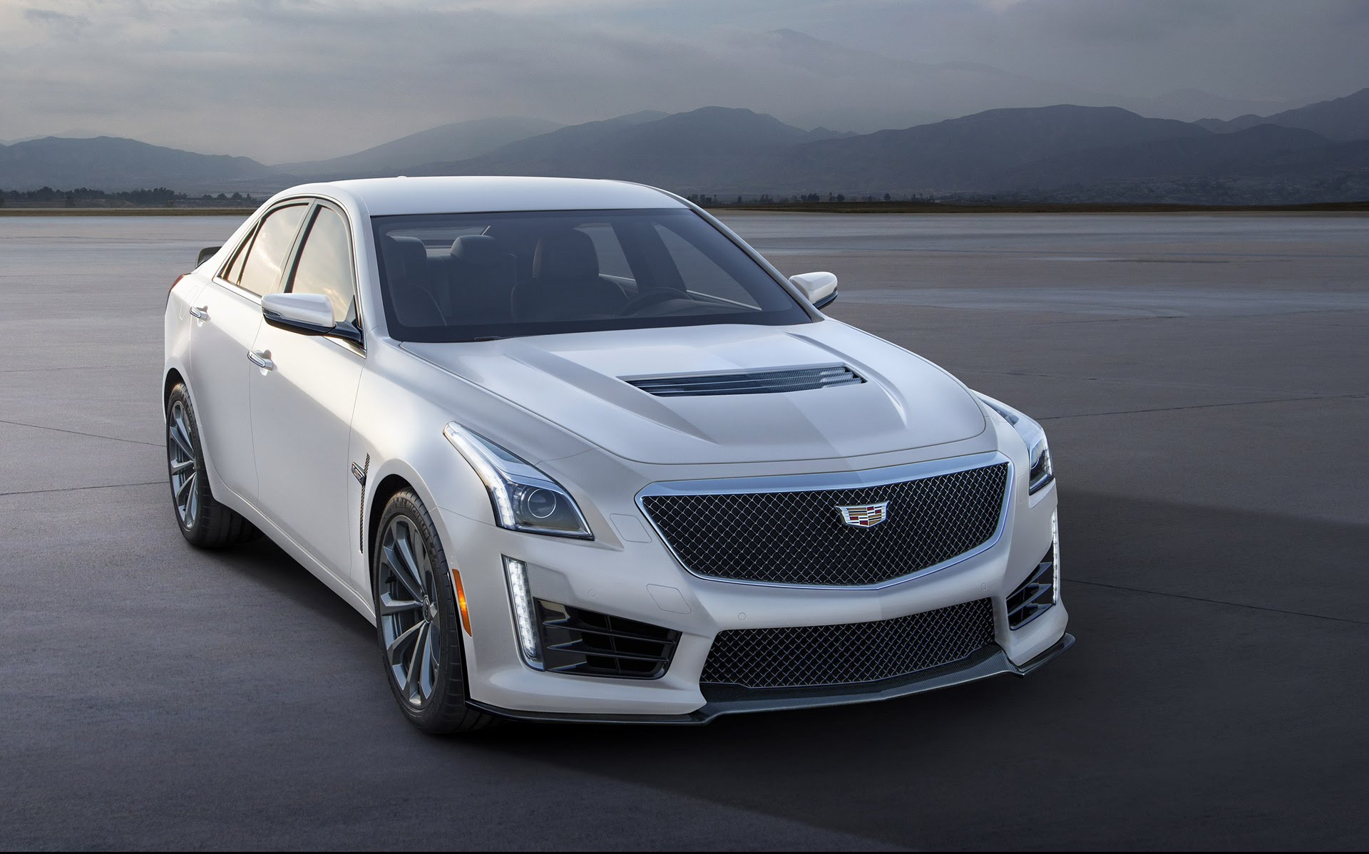 2017 Cadillac CTS-V review | GearOpen