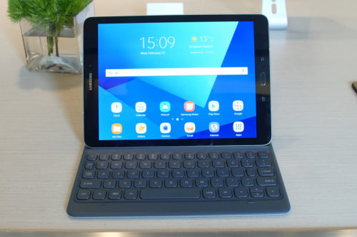 Galaxy Tab S3 Packs HDR Screen and S Pen, But Is It Enough?