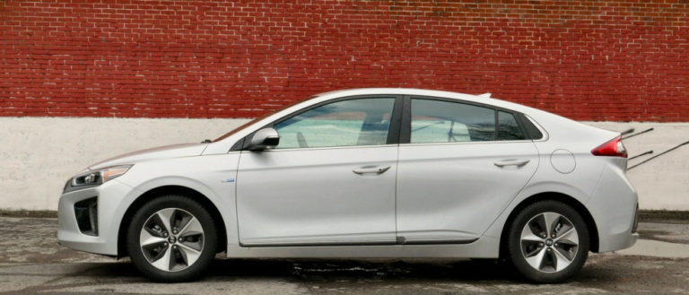 2017-Hyundai-Ioniq-Hybrid-Electric-review-photo-SlashGear00009Hero