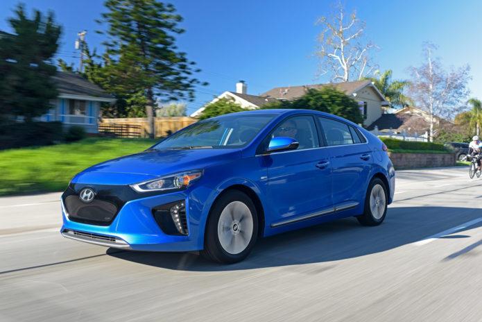 2017 Hyundai Ioniq Electric And Hybrid First Drive Reaching Past