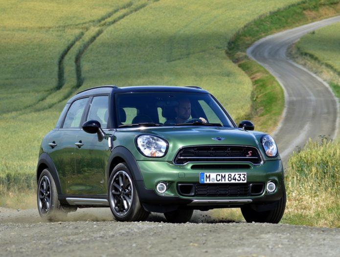 2017 Mini Cooper Countryman Front Review