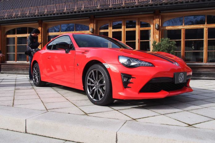 2017-Toyota-86-860-Special-Edition-22