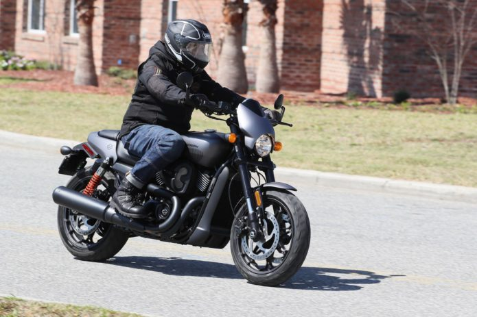 2017 Harley-Davidson Street Rod First Ride Review : Harley lets fly an angrier, urban-sport version of its lovable Street 750