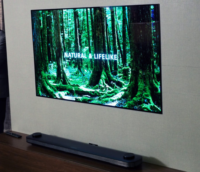 LG 65W7 Wallpaper 4K OLED TV Hands-on Review