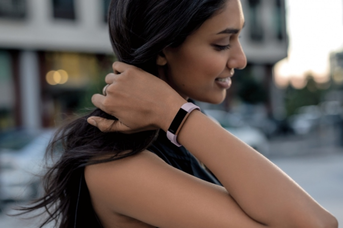 Fitbit Alta HR in-depth hands-on review : World's slimmest 24/7 heart rate tracker explained
