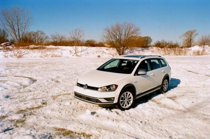 Volkswagen_Golf_Alltrack_1-768x509