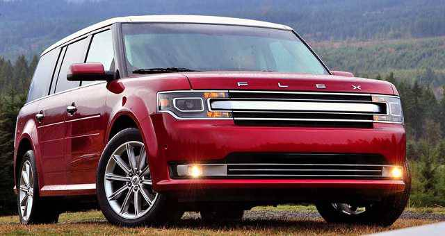 2017-Ford-Flex-front-side