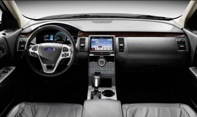 2017-Ford-Flex-interior