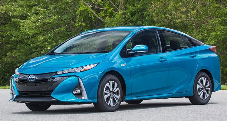 CR-Cars-Inline-2017-Toyota-Prius-Prime-f-08-16