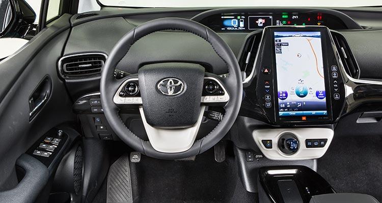 CR-Cars-Inline-2017-Toyota-Prius-Prime-int-08-16