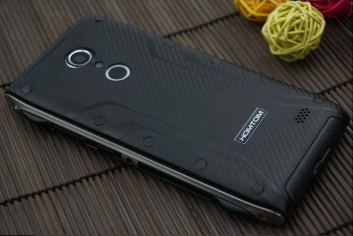 Homtom HT20 Review : IP68 protected smartphone with fingerprint scanner