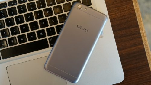 Vivo Y53 Unboxing, Hands-on Initial Review : A Notch Below the Y55?
