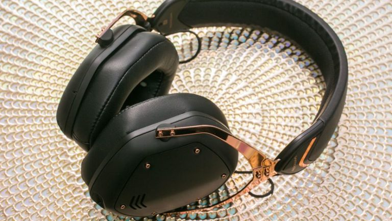 v-moda-crossfade-wireless-2-headphones-01