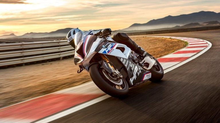 2017-bmw-hp4-race-5_800x0w