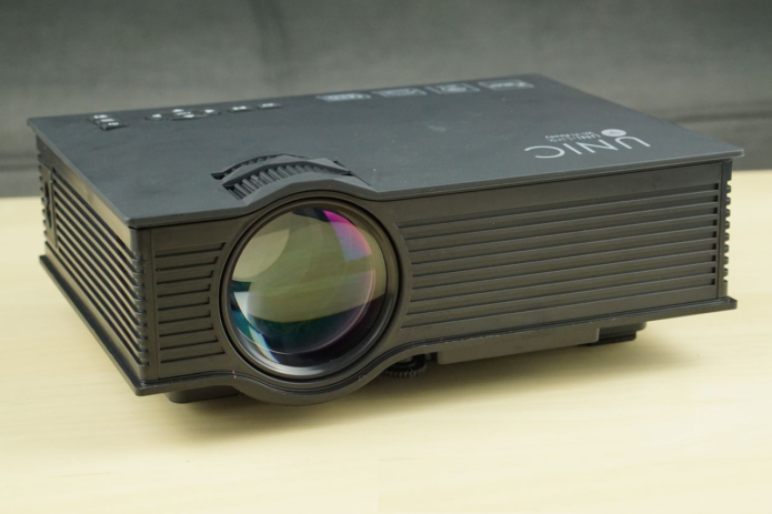 UNIC UC46 1200LM LED Multimedia Projector Review: How Good Can A Sub-$100 Projector Be?