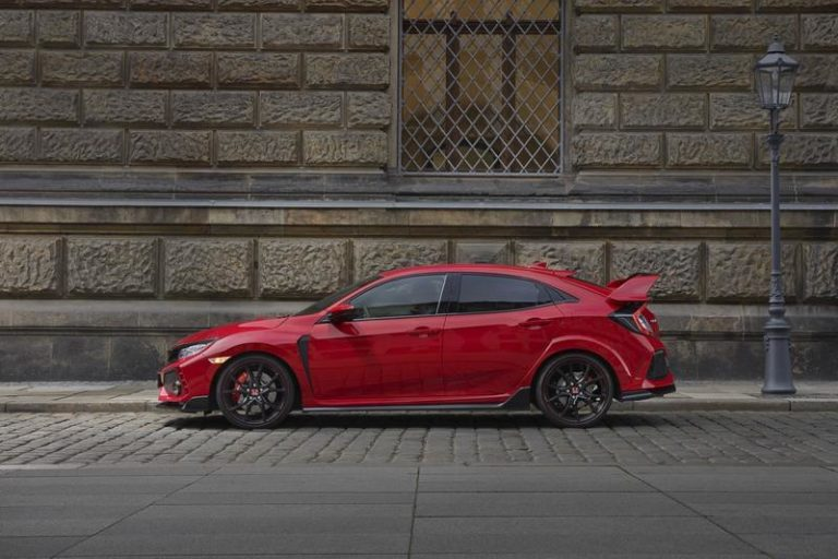 2017-honda-civic-type-r-25_800x0w
