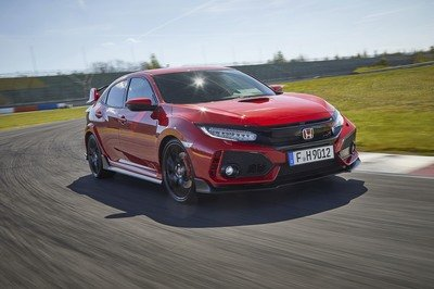 2017-honda-civic-type-r-7_400x266w