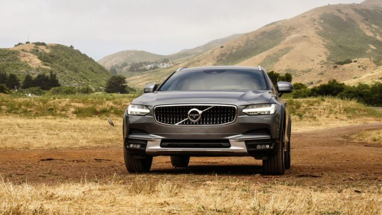 2017-volvo-v90-cross-country-024