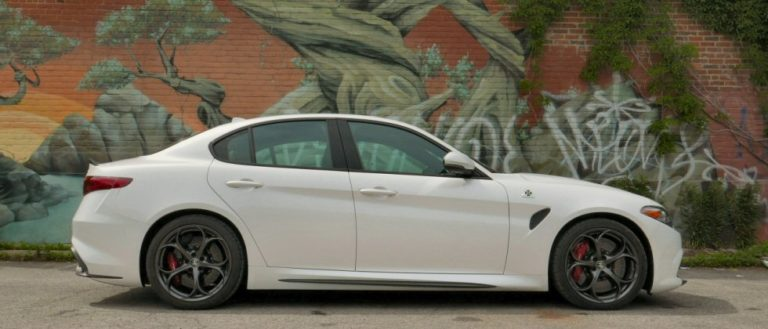 Hero-2017-Alfa-Romeo-Giulia-Quadrifoglio-review-photo-SlashGear00010