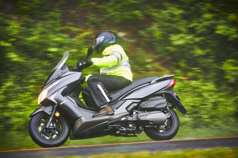 Kymco-Xtown-300i-Black-Side