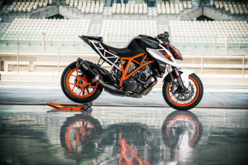 2017 KTM 1290 Super Duke R Review