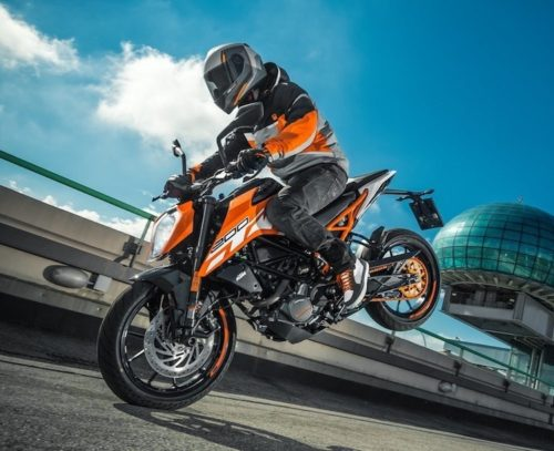 2017 KTM Duke 250 Review