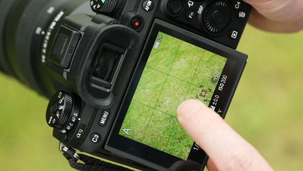sony-alpha-9-touchscreen