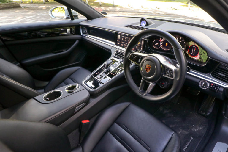 139023-cars-review-porsche-panamera-interior-image1-v0soupwtnh