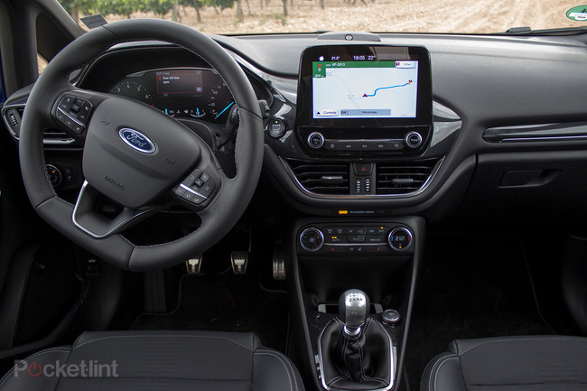 141495-cars-review-ford-fiesta-2017-st-line-image10-mbtokcfwur
